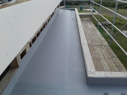 overhang lap is hotair welded welded down onto gutter sheets