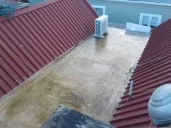 a week later, centre roof mopped with Xplus cleaner/degreaser